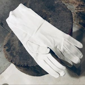 Vintage white leather gloves 7.5 unworn